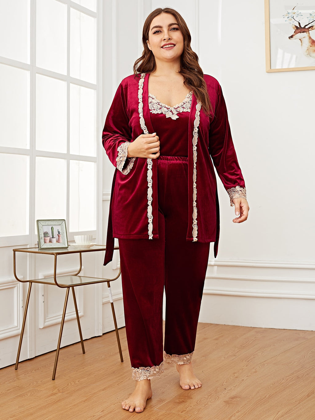 Plus Contrast Lace Velvet Cami PJ Set With Robe