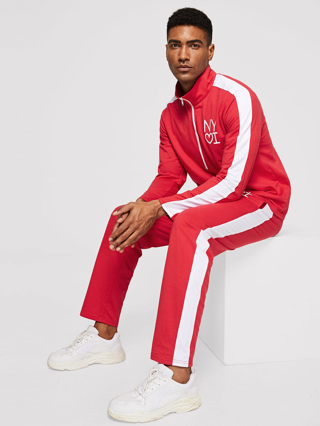 Men's Tracksuit - Contrast Panel Letter Print Pullover & Pants Set