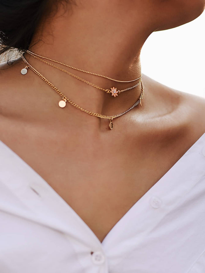 Necklaces - Star & Sequin Detail Chain Choker