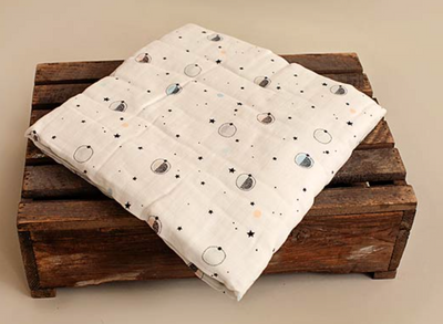 Luxurious Muslin Quilt Blanket - Outer Space