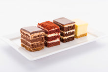 Load image into Gallery viewer, (SW47A) 20PC ASSORTED PREMIUM MINI CAKES (4CM BY 5CM)