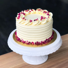 Load image into Gallery viewer, Eggless Pistachio Rose Cake
