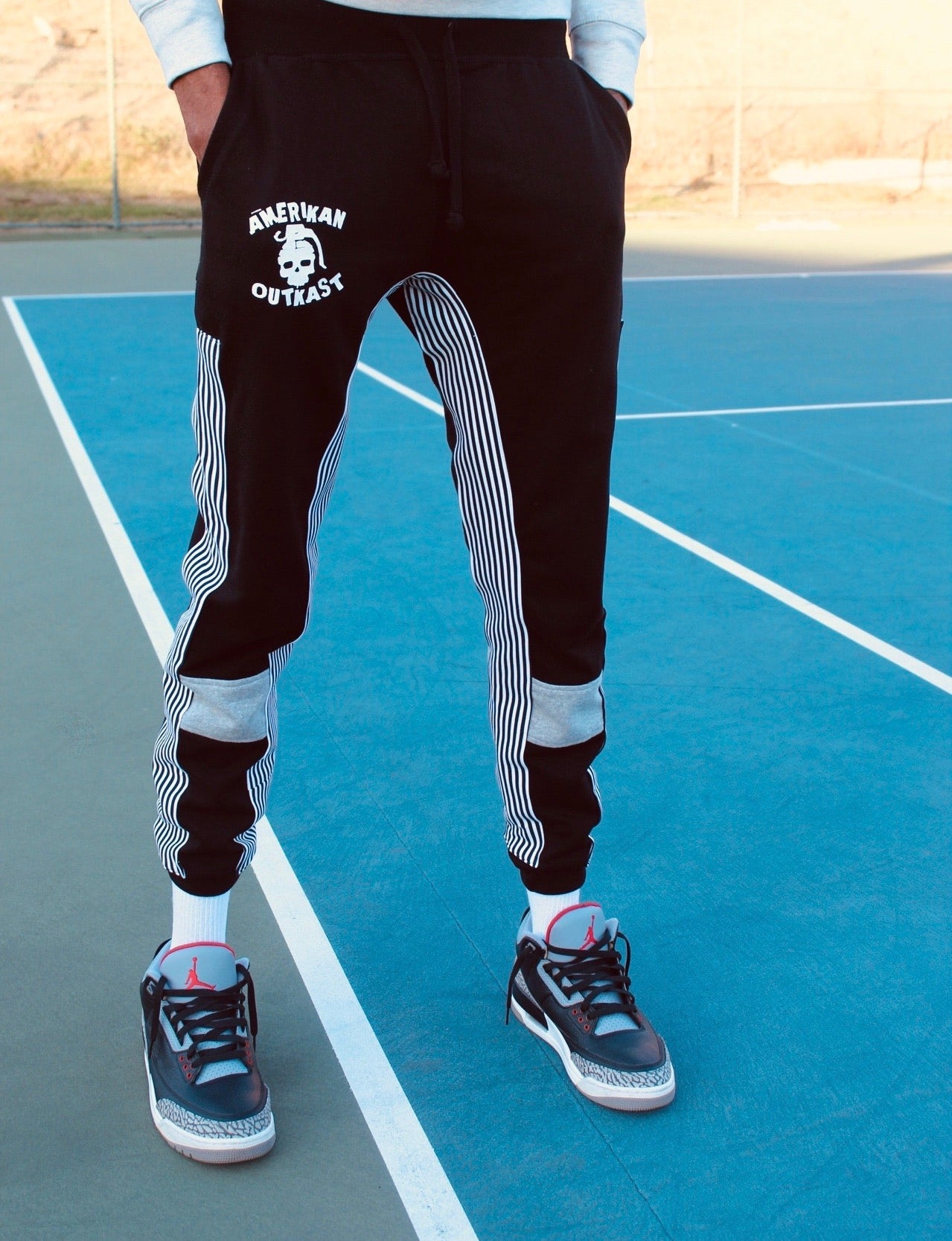 AO stripe jogger black