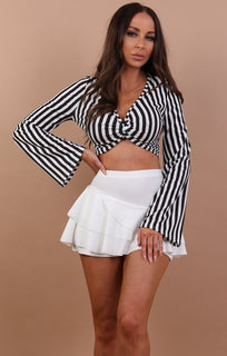Black-stripe-twisted-crop-top-tilda