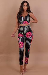 Pink Roses And Stripe V Front Crop Top - Ellen