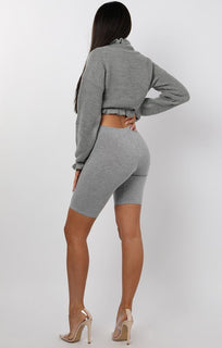 Grey-Ruffle-Hem-Chunky-Knit-Crop-Jumper