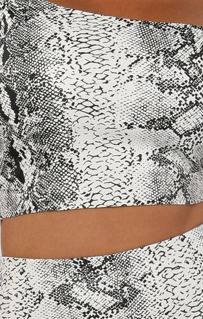 White Animal Snake Print Pu Shorts - Socha