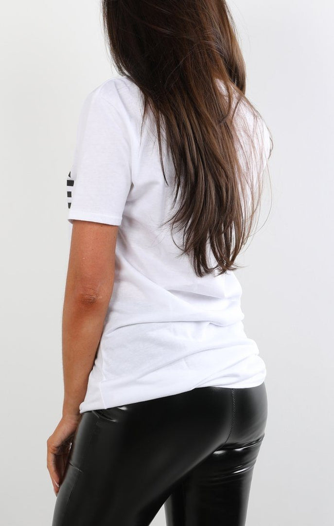 White 'believe' Printed T-shirt