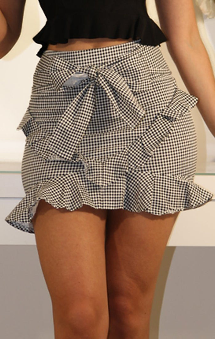 Black-and-White-Gingham-Tie-Front-Skirt