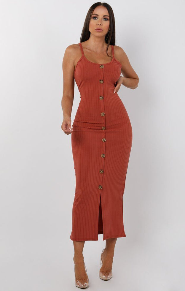 Rust-Ribbed-Knit-Button-Detail-Maxi-Dress-Kaitlyn