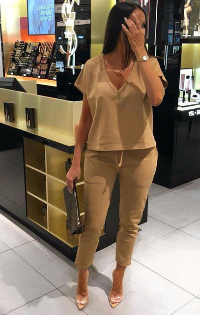 Camel V-Neck Boxy Loungewear with balcak