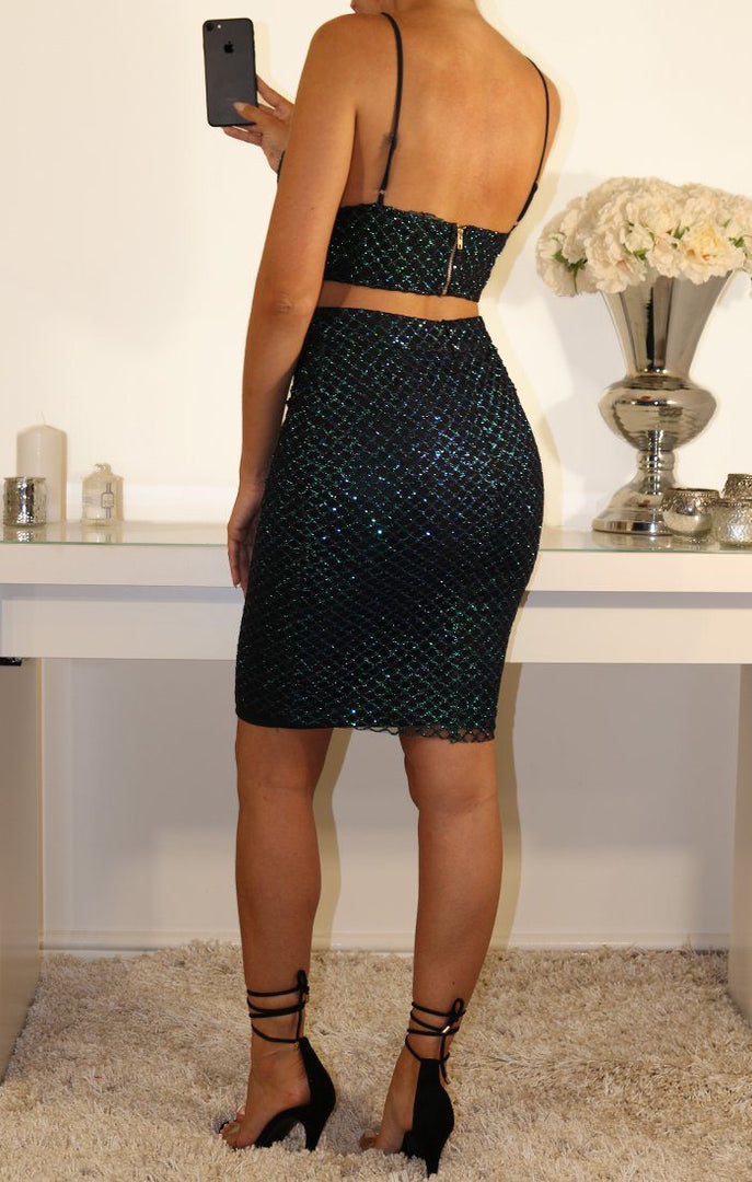 BLACK METALLIC SCALE TWO PIECE SET