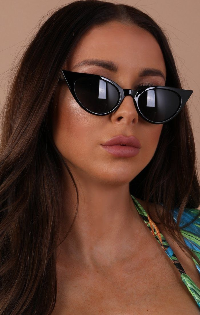 Black Rimmed Cat Eye Sunglasses - Khloe