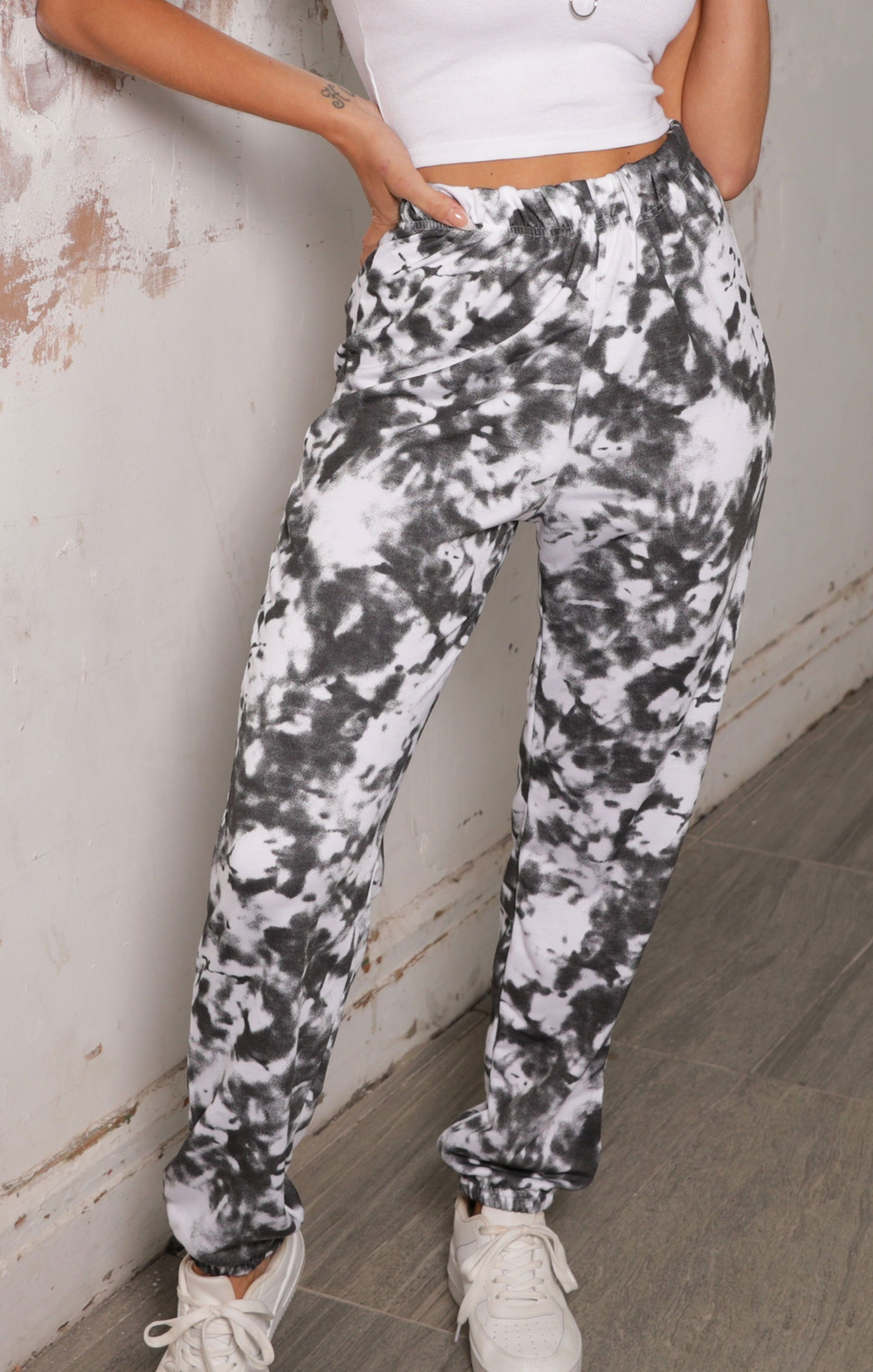 Black Tie Dye Elasticated Joggers - Halle