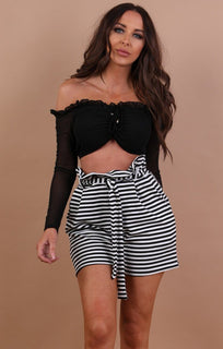 Black ruched mesh sleeve crop top - autumn