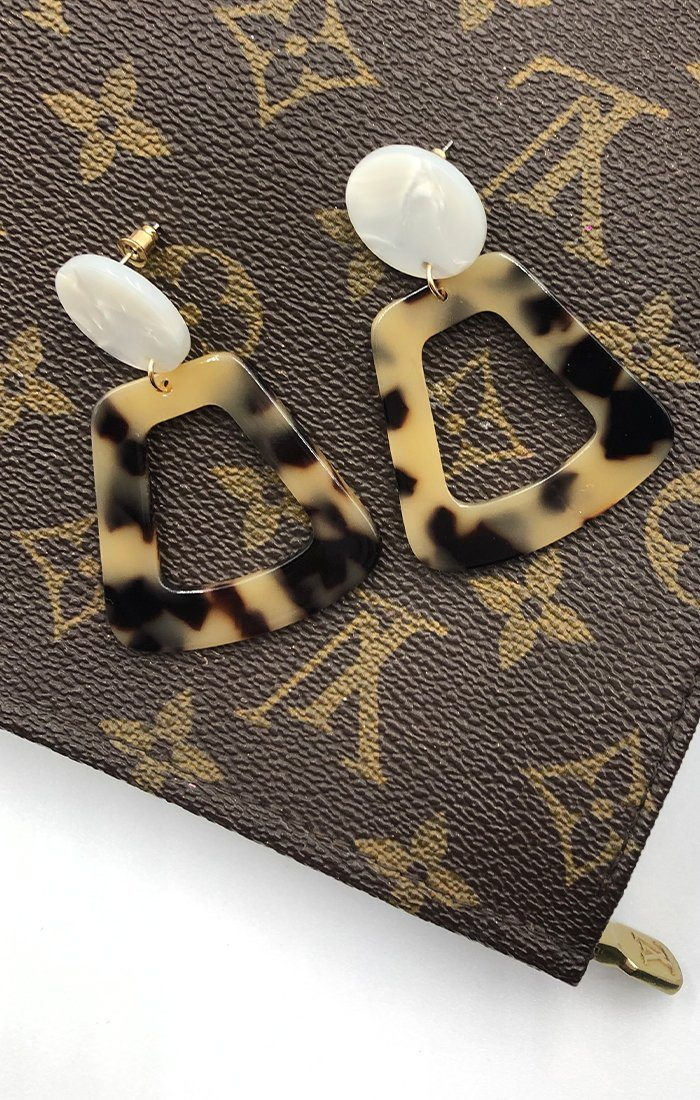 Stone Tortoiseshell Geometric Drop Earrings - Badia