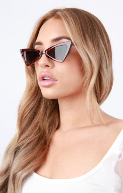 Tortoise Shell Triangle Retro Sunglasses - Iris