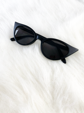 Load image into Gallery viewer, Trinity Cat-eye Sunnies - Matte Black