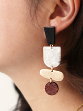 Load image into Gallery viewer, Totem Statement Dangle
