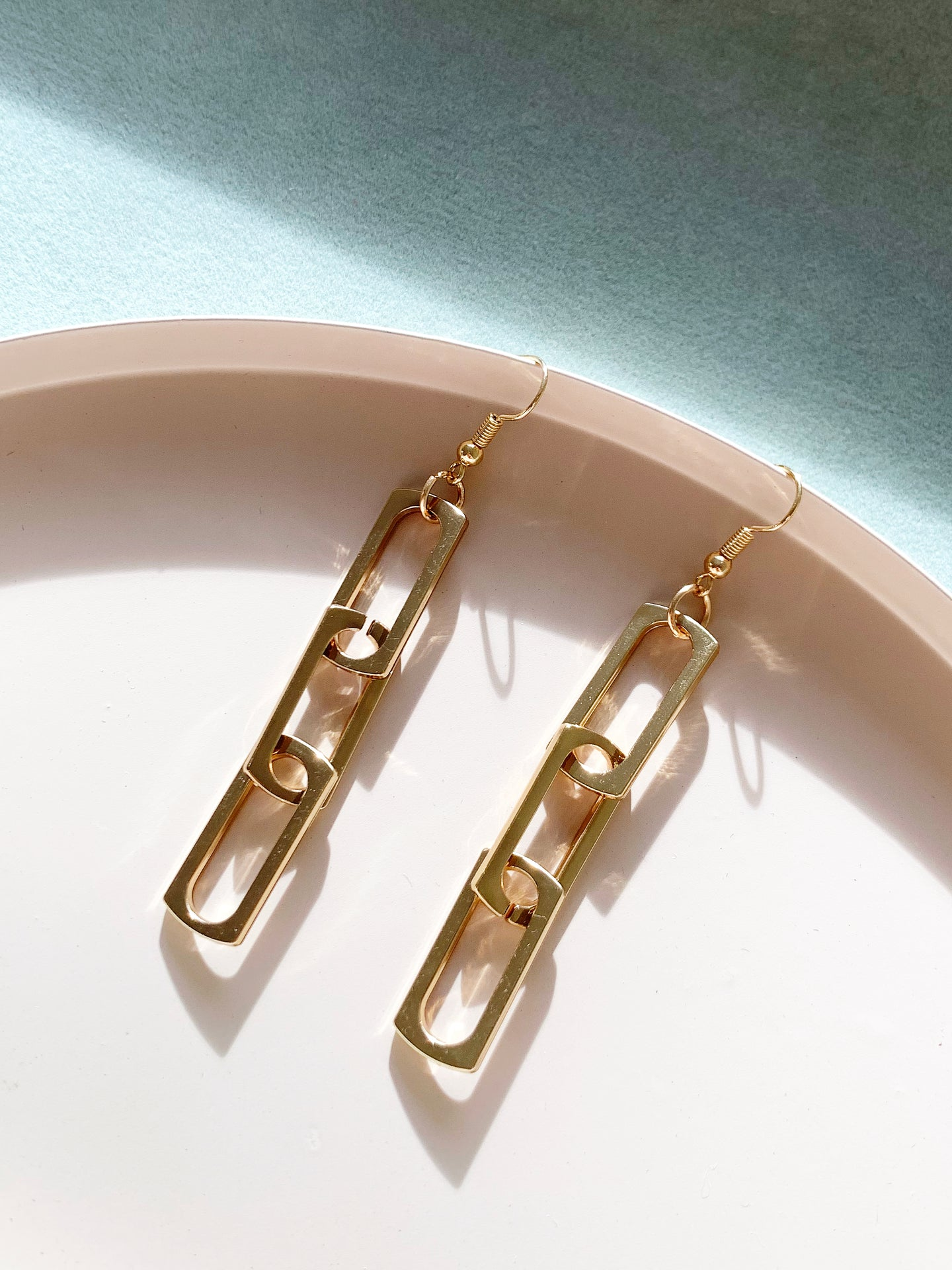 Link Me Up Earring #1 Gold - The Modern Collection