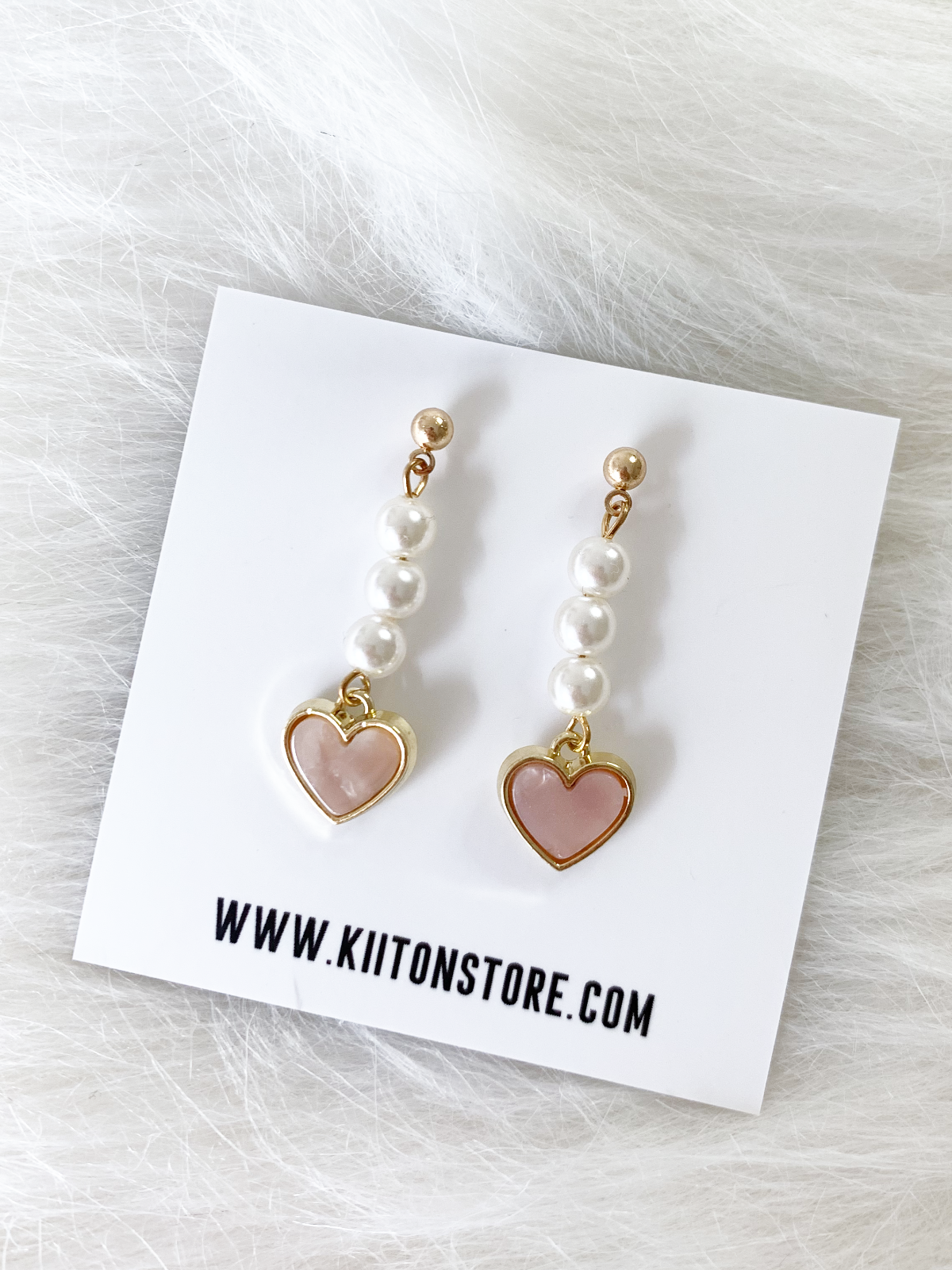 Parisian Tiny Heart Pearl Earring