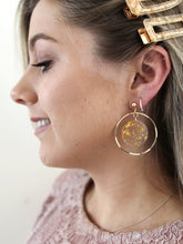 Load image into Gallery viewer, Stellar Gold Flakes Resin Stud Earring