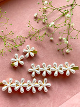Load image into Gallery viewer, Sweet As Daisy Barrette