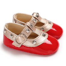 Load image into Gallery viewer, The Evergreen Classic Infant Shoes (0 - 15 M)