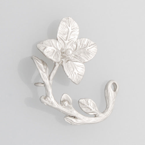 2013-2014 Fashion 24*23MM  lovely modern charms,Flower with  two Holes,Matte Rhodium,suit for necklace/bracelet/earring ect,sold 10pcs per pkg