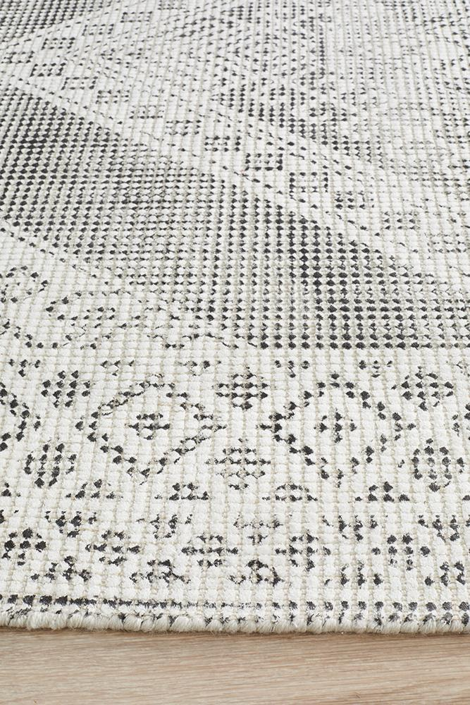 Rug Culture Castle 830 Black And White