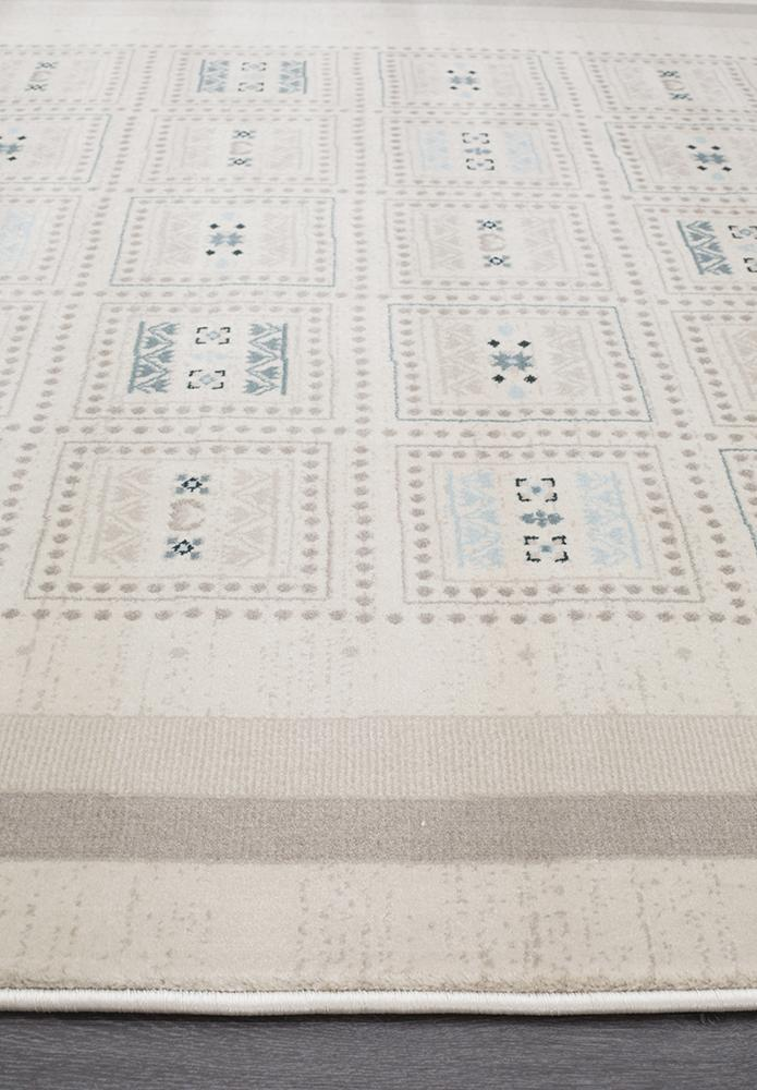 Heirloom Fragment Traditional Cream Runner