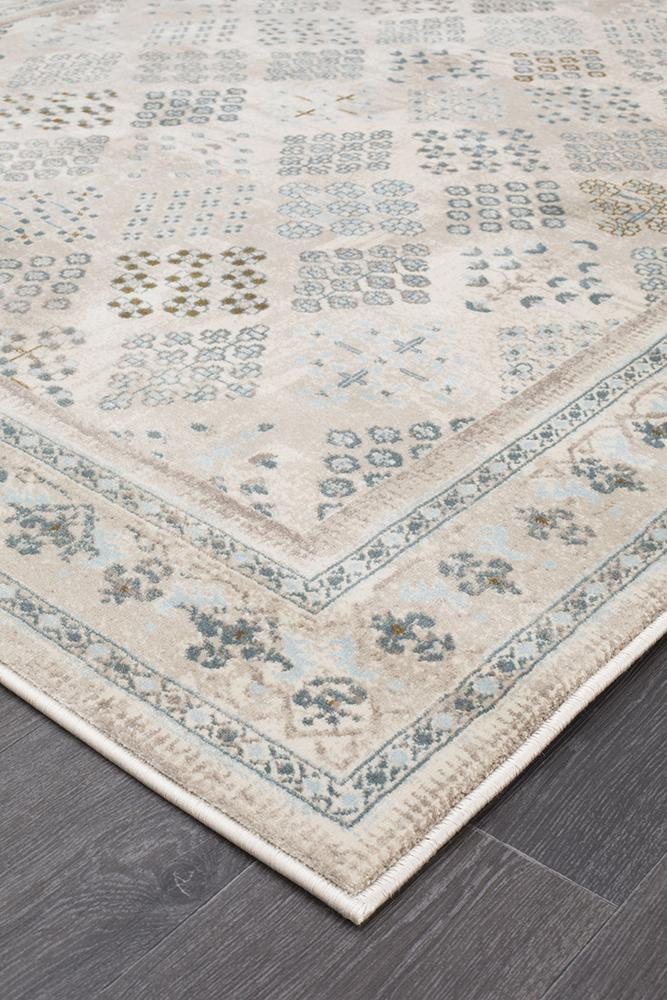 Heirloom Spindle Traditional Cream Rug
