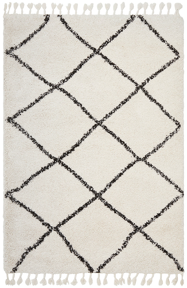 Black & White Viona Fringed Rug