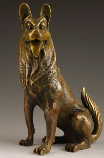 Image of a stunning bronze statue in lifelike German Shepherd detailing