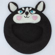 Load image into Gallery viewer, Husky Love Woollen Beret HatHat