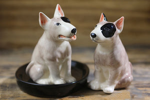 Beautiful Chihuahua Love Salt and Pepper Shakers - Series 1