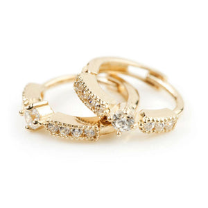 Open image in slideshow, 9ct Solid Gold Solitaire Crystal Band Cartilage Huggie Earring