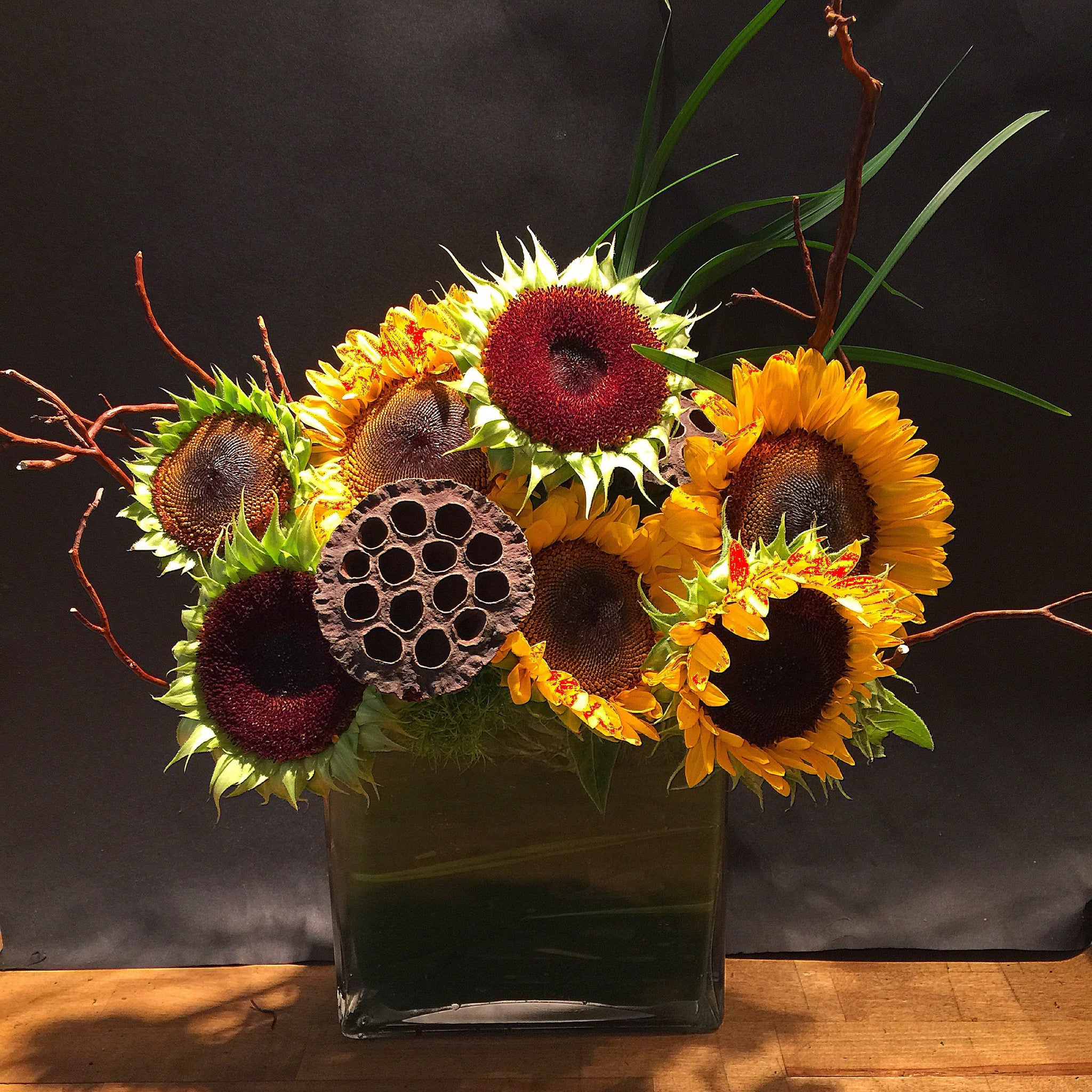 Sunflowers Flower Arrangement - same day flower delivery and gift crate basket delivery Manhattan Midtown NYC New York 10019 10022