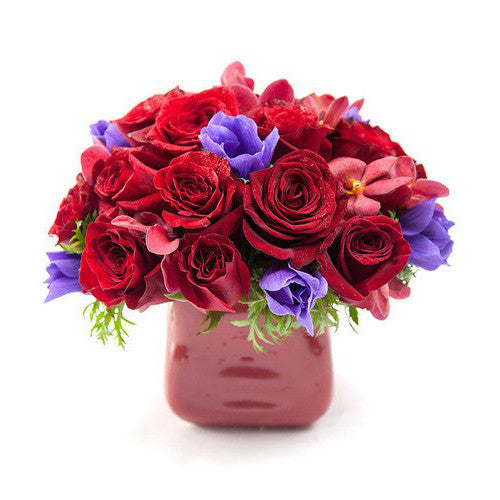 Alaric Flowers - Alessia Flower Arrangement - Same Day Flower Delivery NYC