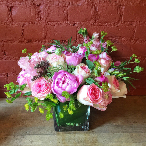 Francesca Flower Arrangment - same day flower delivery and gift crate basket delivery Manhattan NYC New York 10019