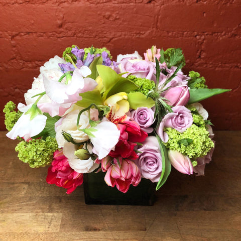 Naomi Flower Arrangement - same day flower delivery and gift crate basket delivery Manhattan NYC New York 10019 10022