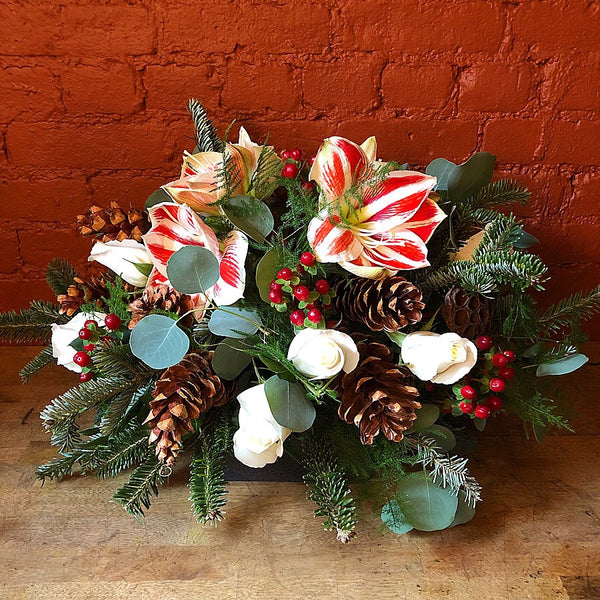 Merry Christmas Flower Arrangement - same day flower delivery and gift crate basket delivery Manhattan NYC New York 10019 10022