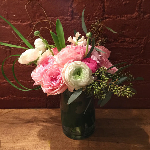 Vanessa Flower Arrangement - same day flower delivery and gift crate basket delivery Manhattan Midtown NYC New York 10019 10022