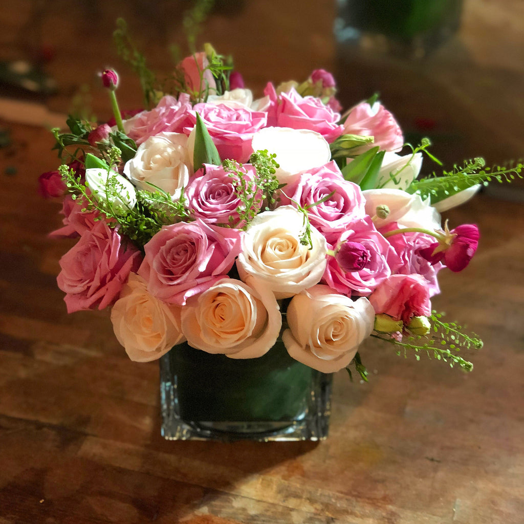 Tenderness flower delivery nyc manhattan florist 10019 white pink rose white pink roses flower delivery nyc 10019 mightylinksfo