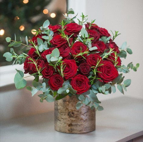 Red Christmas Bouquet Flower Arrangement - same day flower delivery and gift crate basket delivery Manhattan NYC New York 10019 10022