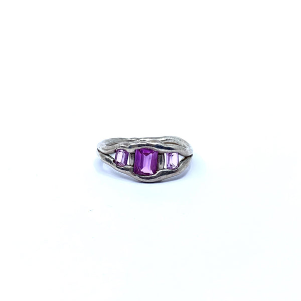 Cashmere Malekitsch — Silver and Lab Grown Pink Sapphire Princess Ring Jewellery Cashmere Malekitsch | Craft
