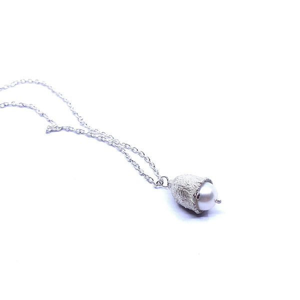 Sunggee Min - Necklace with White Freshwater Peal Jewellery Sunggee Min | Craft