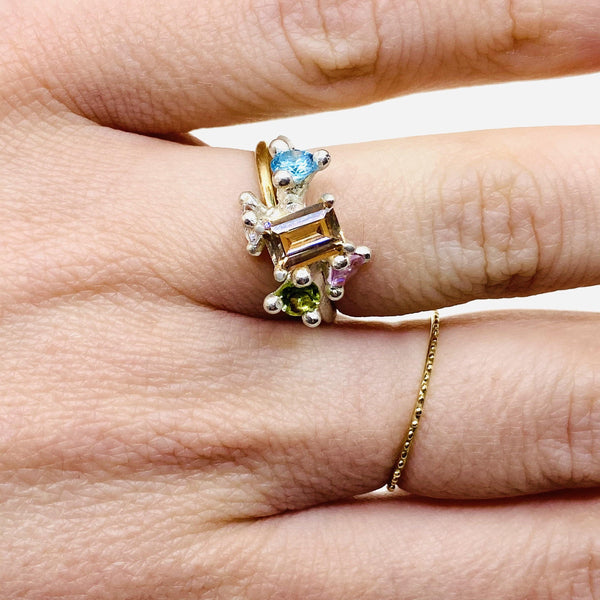 Taë Schmeisser — Silver Cubic Zirconia, Sapphire, Peridot, and Topaz 'Nestled in Bloom' Ring Jewellery Tae Schmeisser | Craft