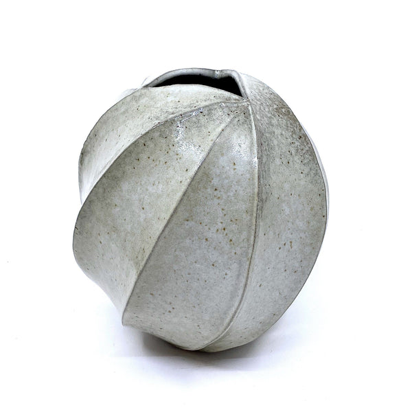 Terunobu Hirata — Twist Faceted Shirahagi Vase - Australian made Ceramics