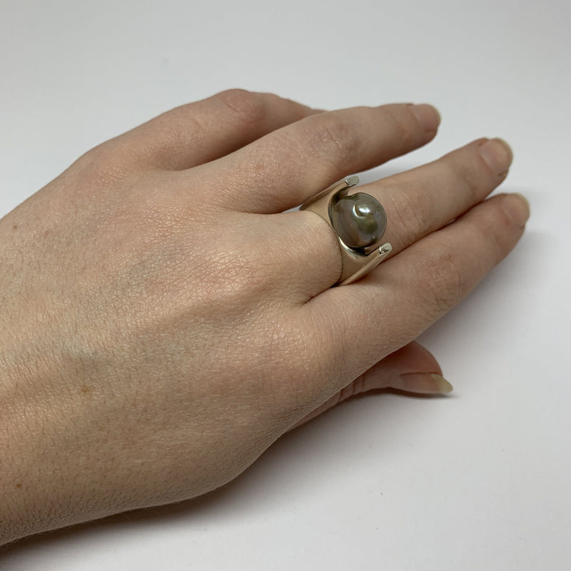 Victoria Mason — 'To Hold' Freshwater Grey Baroque Pearl Ring - Australian made Jewellery